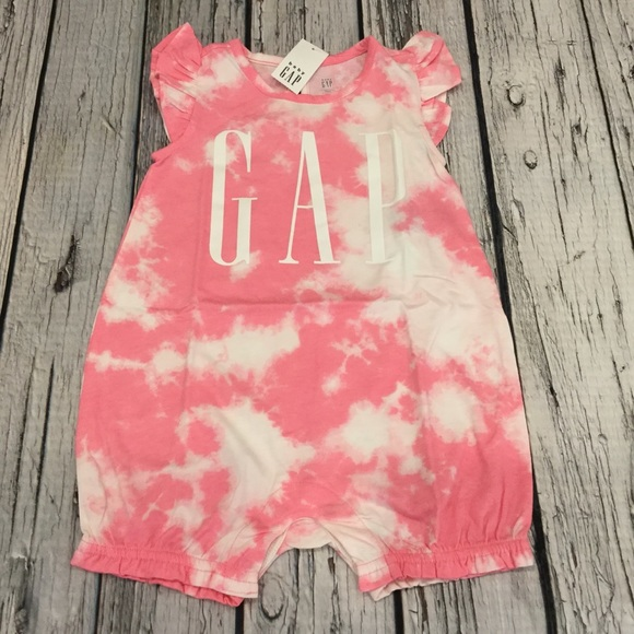 Nwt Baby Gap Girls 0-3 Month Bright Pink /& White Gap Logo Jumpsuit Romper